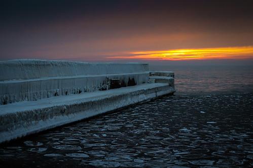 winter sunset sky orange ice port se harbor skåne sweden cropped sverige trelleborg 2014 f35 fav10 smygehuk skånelän ef50mmf25compactmacro canoneos100d ¹⁄₁₀₀sek 5002022014161623