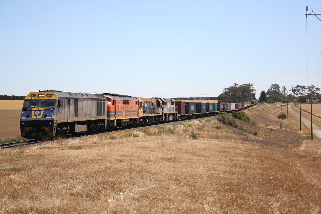 CFLA EL 58, G&WA GM 43 QR 2819 & VL 357 a CM30-8, A16C CM30-8 and GT26C @ Moorabool Vic by Kingmoor Fitter