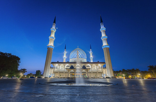 blue fountain beautiful asia nightscape mosque malaysia blueskies bluehour selangor shahalam cokin singleexposure beautifulasia