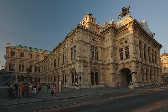 RUS04445(Vienna Opera)
