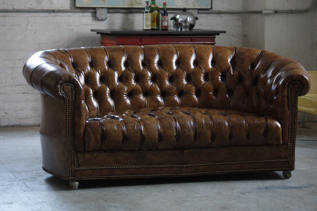Tremendous Handsome Vintage Cognac Leather Tufted Chesterfield Sofa S Machost Co Dining Chair Design Ideas Machostcouk