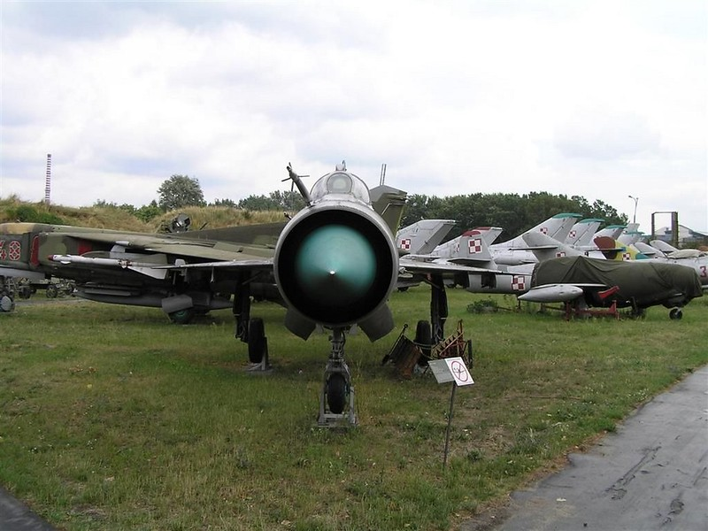 MiG-21MS 4