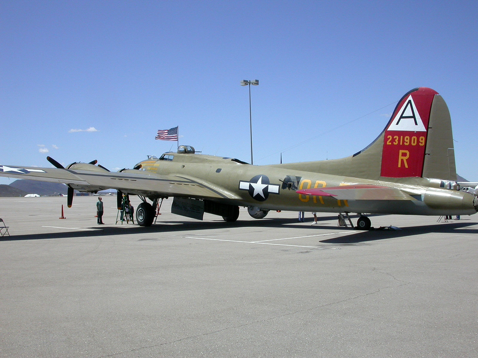 B-17G Flying Fortress (10)