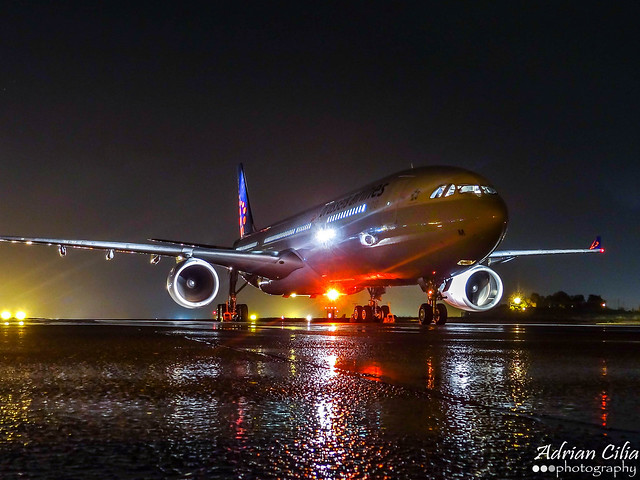 Brussels Airlines --- Airbus A330-300 --- OO-SFM