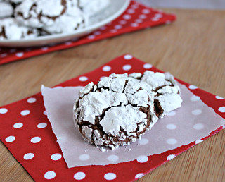 Chocolate Crinkle Cookies | by Southern Pink Lemonade