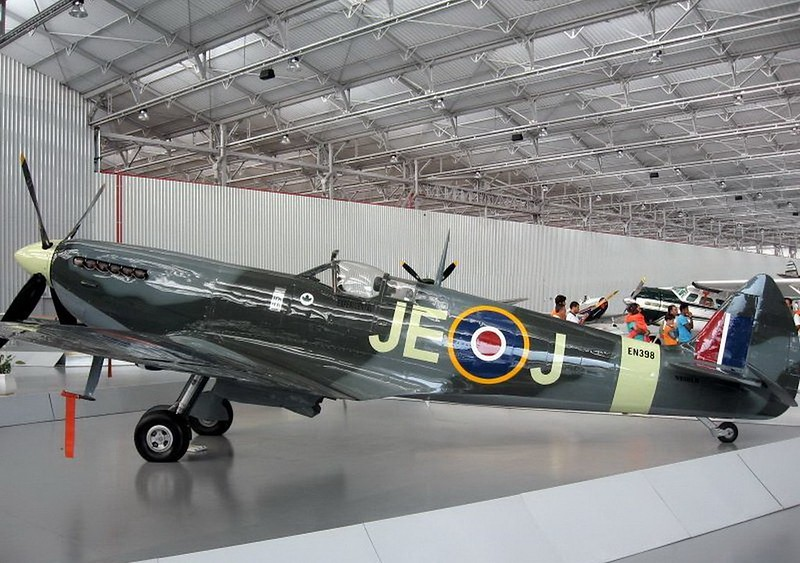 Spitfire HF IX (5)
