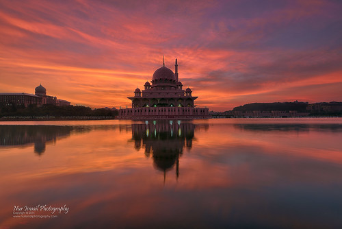 reflection clouds sunrise islam putrajaya congregation hdr masjid placeofworship mirrorreflection putramosque hdrphotography masjidputra putrajayalake sifoocom nikond800e nurismailphotography nurismailmohammed nurismail