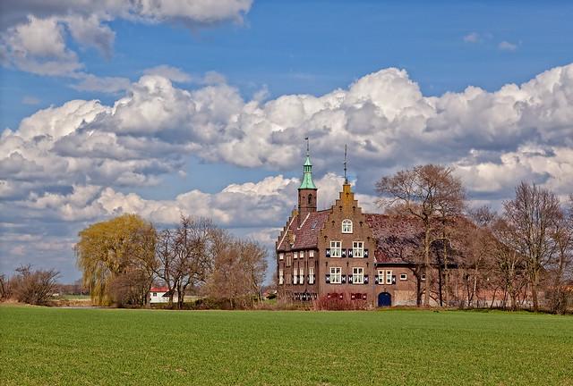 Meeuwen castle