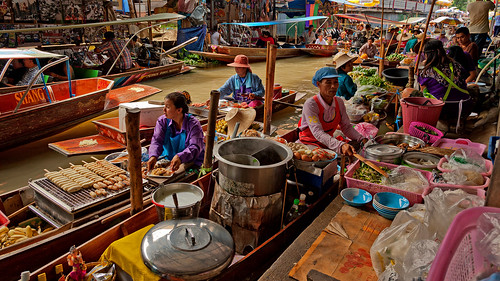 Floating Market Bangkok (Thailand)   by B.B. Wijdieks