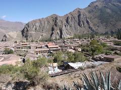 日, 2013-08-18 11:32 - Pinkuylluna登山道から見たOllantaytambo