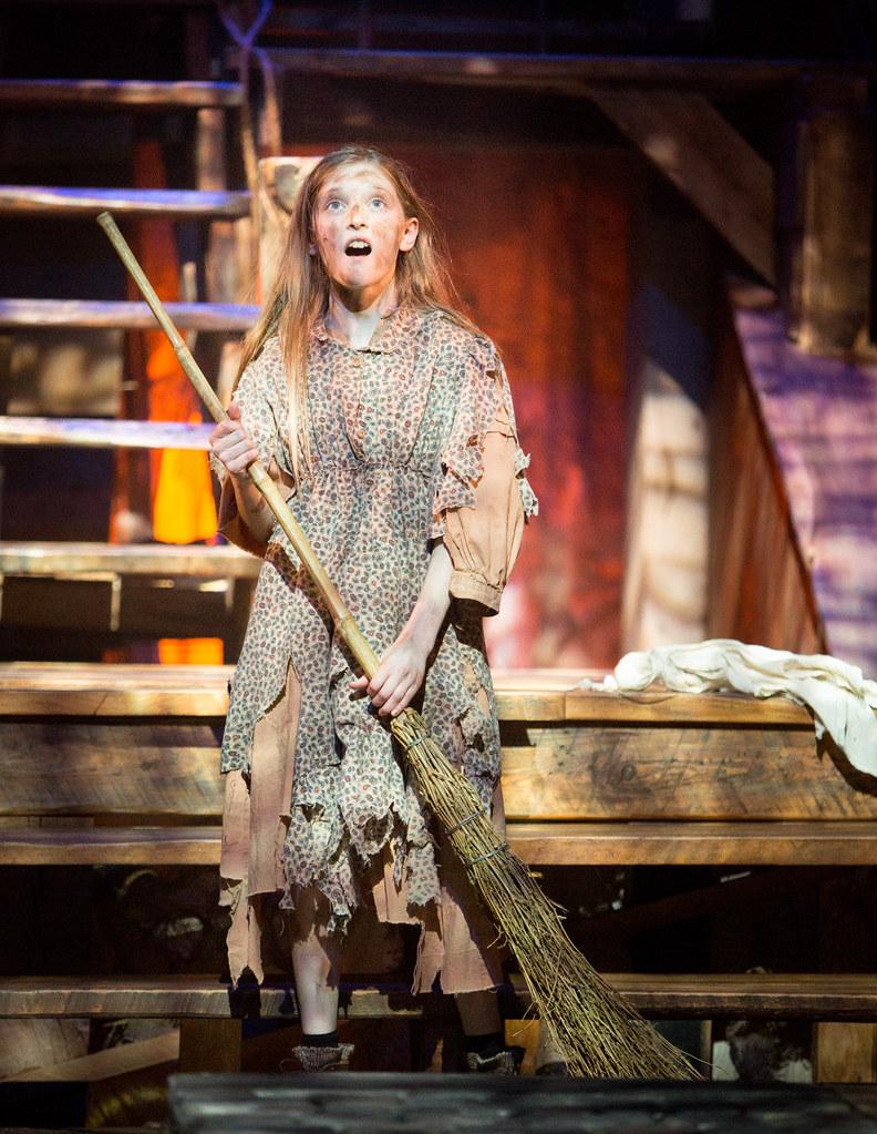 Les Misérables 2014 | Elise Anderson as young Cosette during