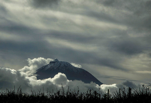 Pico in clouds