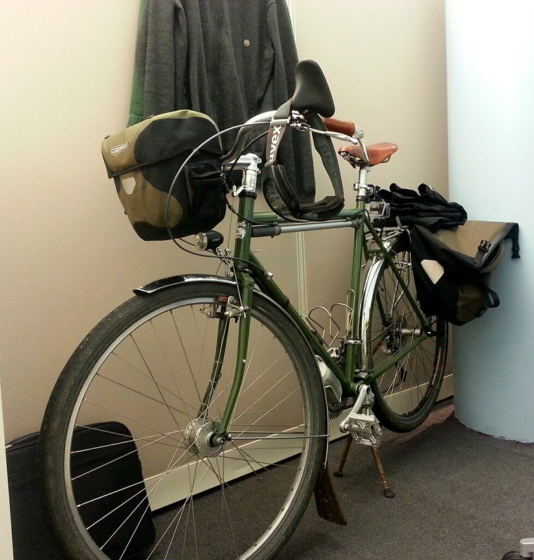 Surly LHT on commuter duty.
