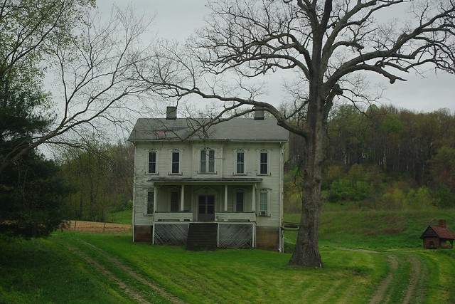 GREAT OLD FARMHOUSE NEAR SCIO, OHIO