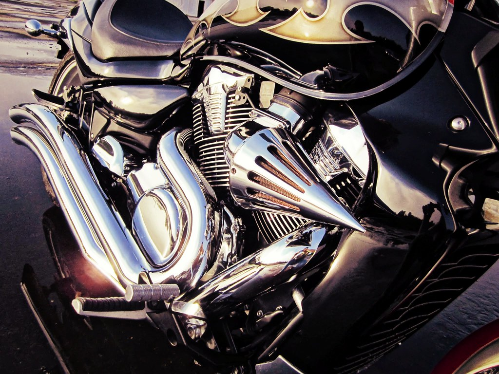 07 Suzuki M109R Custom | velocityking com | nicovelocity | Flickr
