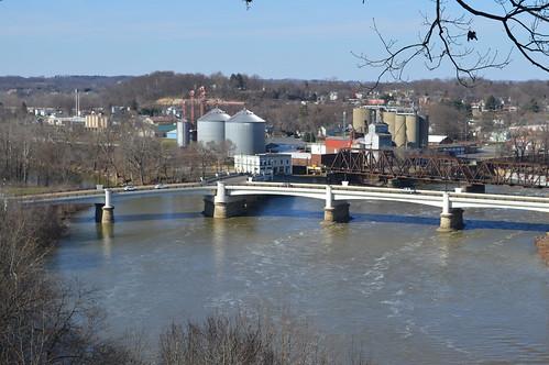 zanesville ohio ybridge muskingum river railroad bridge putnam hill park