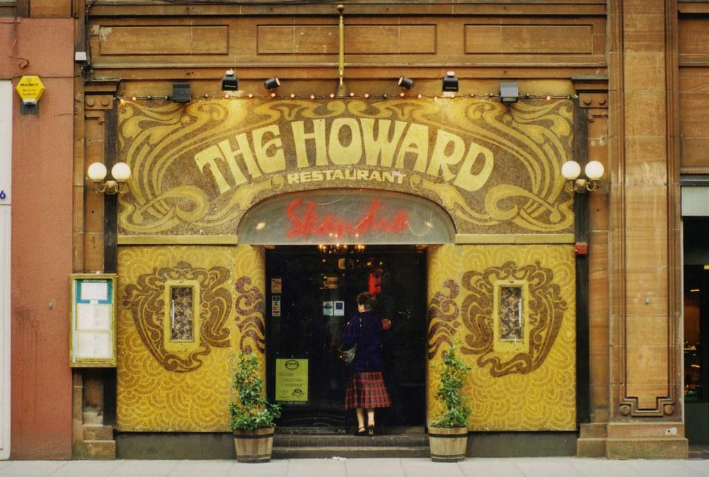 Belfast- Howard Street- The Howard Restaurant Skandia (pho