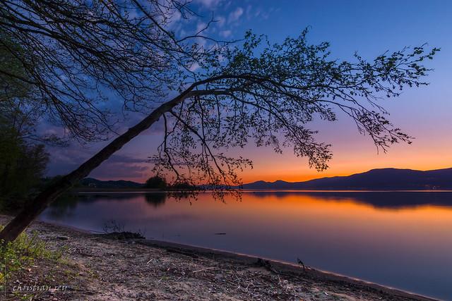 Coucher de soleil sur le lac de Neuchâtel (Switzerland)