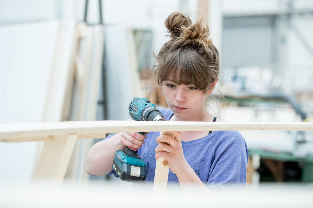 Lucy Kevill, Scenic Carpentry Apprentice © ROH/Sim Canetty-Clarke, 2015