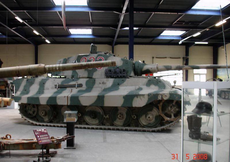 PzKpfw VI Ausf.B -Tiger II  (6)