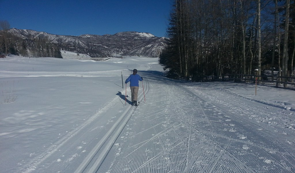 Cross-Country Skiing Near Aspen Colorado - Snowmass Golf C ...