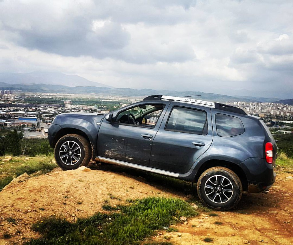 #Duster #Iran #offroad #4WD  more on http://T.me/Renault_duster by @FarshadPix  with @neginkhodroo @duster_iran @cafe_offroad