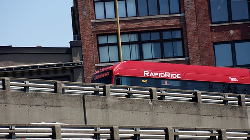 A KCM Rapid Ride C climbs the Alaskan Way Viaduct