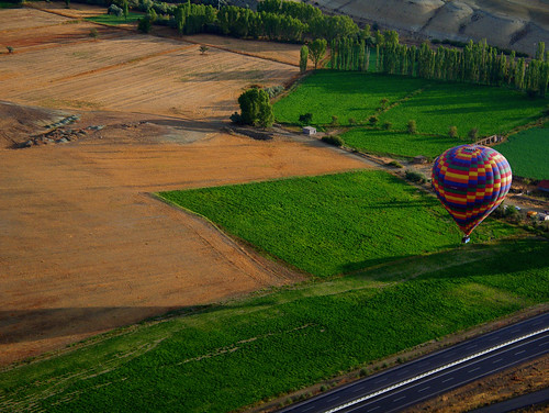 contrast turkey europe colours aircraft ballon tourist thephotographyblog