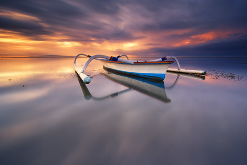 longexposure bali seascape reflection beach sunrise indonesia landscape mirror boat nikon day purple cloudy speedboat ss wide hard magenta violet victory tokina le shore 09 nd slowshutter filters minimalistic f28 minimalist holder graduated denpasar sanur karang lightroom waterscape uwa gnd intervalometer leefilter d7100 1116mm imageaveraging