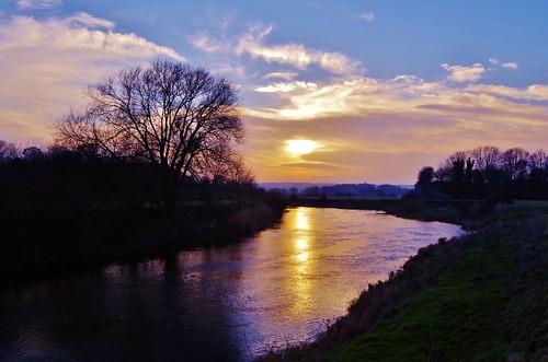 riversevern shrawardine shropshire river water trees nature sky blue clouds sun set shine light colour reflection wet pentaxart pentax k50 wr18135mm
