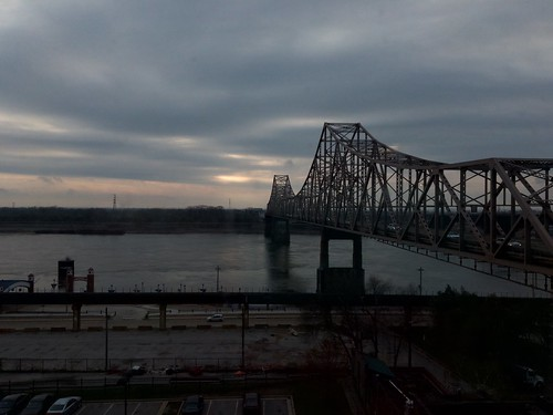 missouri bridge saintlouis 2017 sky dawn sunrise earlymorning early morning cloudy clouds river mississippi