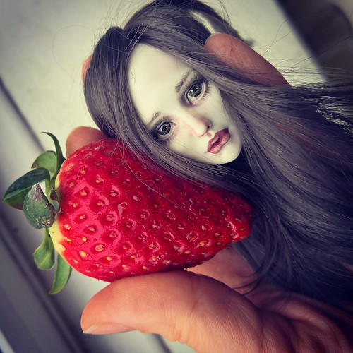 Strawberry Princess. Size comparison. Porcelain art doll, BJD, One of a KInd | by cureilona of Lightpainted Doll