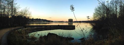 morning usa lake building water america sunrise washington unitedstates path capitol olympia wa iphone 美国 华盛顿 appleiphone iphone4 appleiphone4