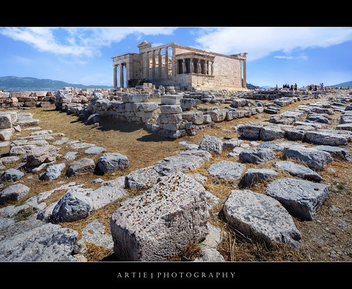 photoshop canon greek temple tripod wideangle athens greece marble pillars acropolis athena ef 1740mm f4 hdr archaic artie athenian cs3 erechtheion 3xp photomatix tonemapping tonemap 500bc tegulae 5dmarkii 5dm2 imbrices 438bc oldertemple