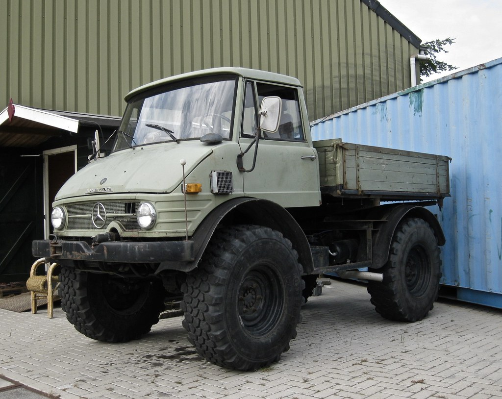 Camion Mercedes 4x4 Unimog See More On Camijou
