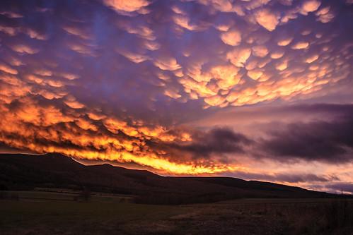 clouds scotland unitedkingdom mammatus oyne