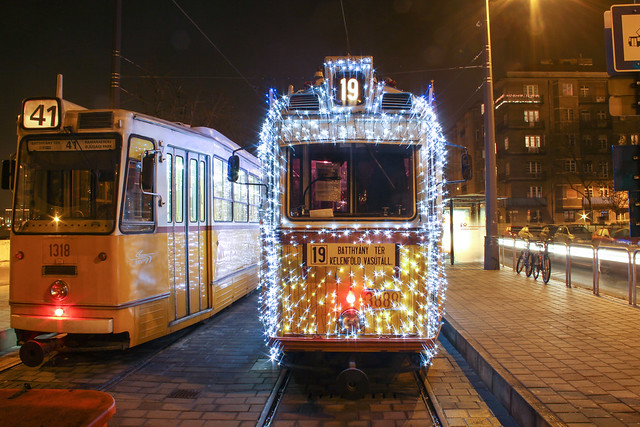 Christmas tram in Budapest 31 - the tram is starting