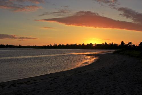 sunset beach lakesentrance