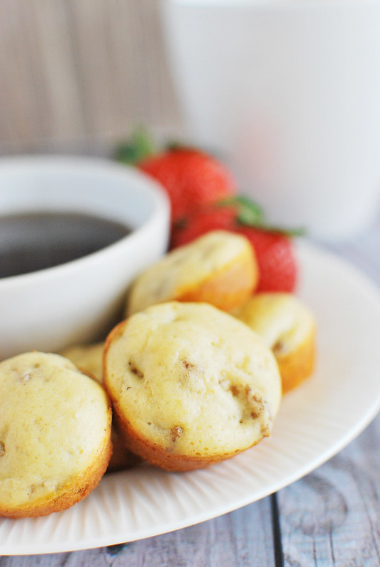 Mini Sausage Pancake Muffins - easy, make-ahead breakfast idea. Only 3 ingredients! Sweet and savory and delicious!