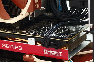 Custom PCI-E cable installed | by oliverst