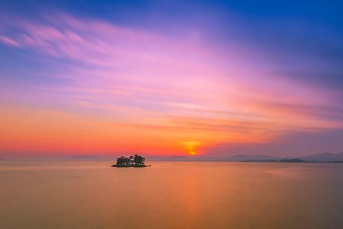 japan sunset sky light sun cloud weather landscape orange blue purple contrast colour bright lake island water nature spring