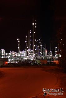 Fabrik im Dunkeln