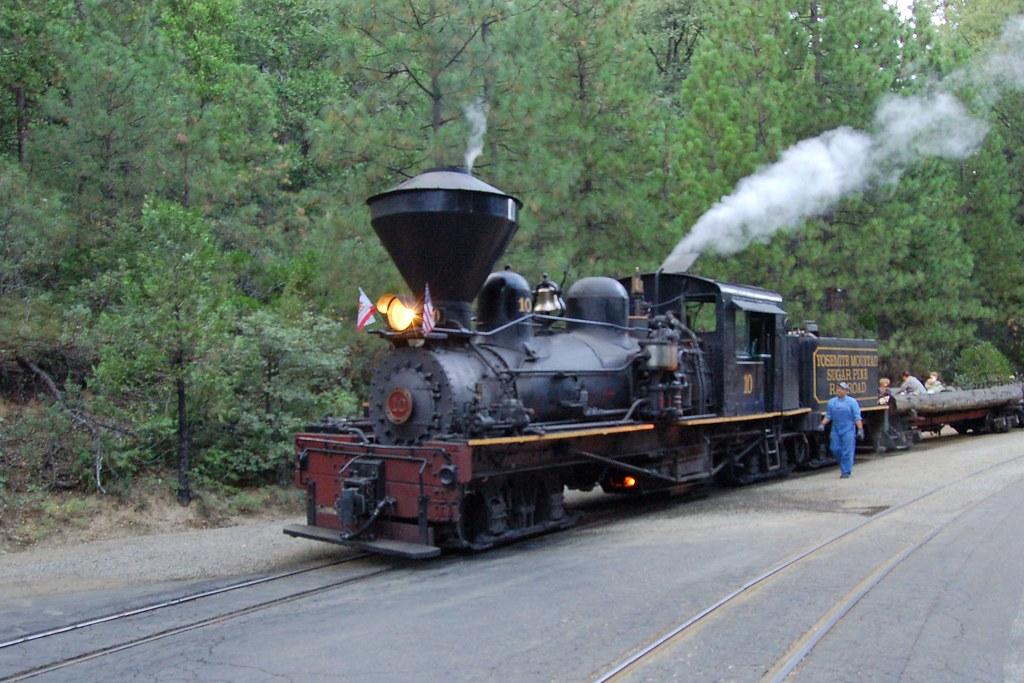 Yosemite Mountain Sugar Pine Railroad No. 10, California ...