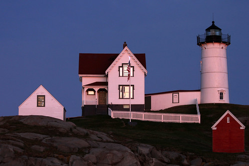 pink sunset lighthouse maine nubblelight yorkmaine newenglandcoast