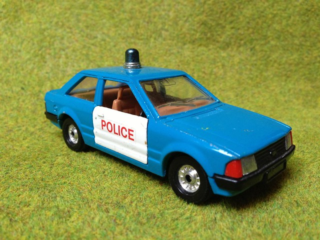 Corgi Ford Escort Mk. lll (English) Police Car - Miniature Die Cast Scale Model Emergency Services Vehicle