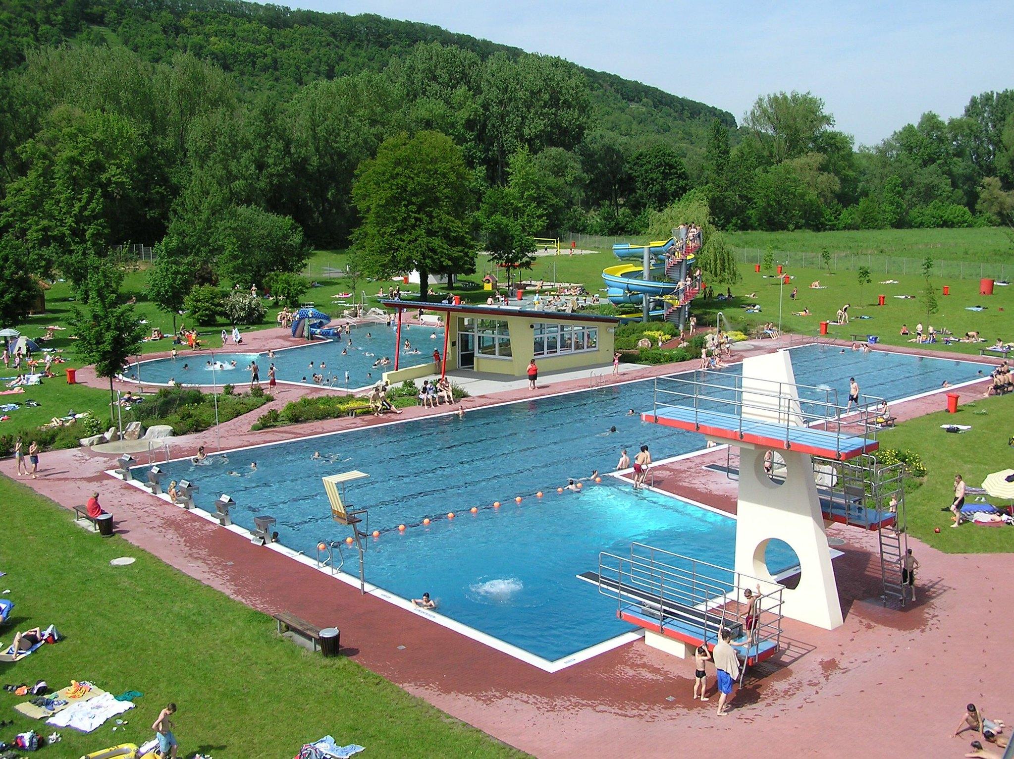 Schwimmbad Niefern