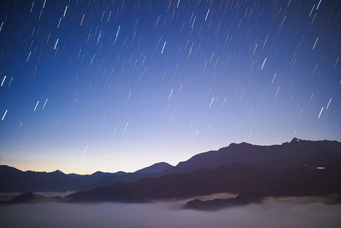 sunrise dawn 日出 sky stars 星軌 livecomp olympus penf 阿里山 alishan alimountain mountain voigtlander 175mm f095 nokton taiwan 台灣 嘉義 chiayi 雲海 cloud clouds