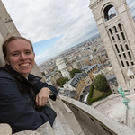 Emily peaking out of the dome, Sacré-Cœur