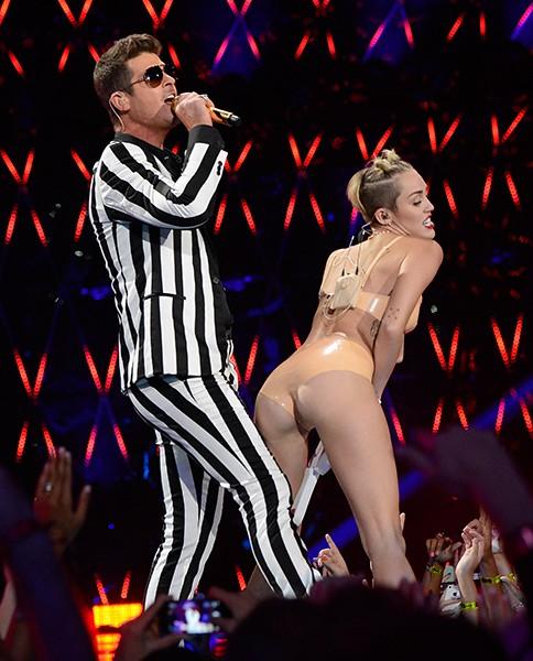 Robin Thicke Miley Cyrus 2013 Mtv Vmas Missinfotv2 Flickr