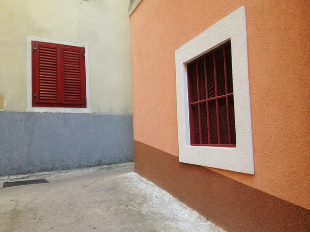 where walls converge, lovran